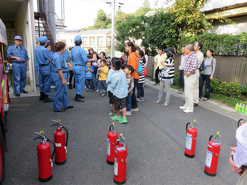 水消火器を使った訓練