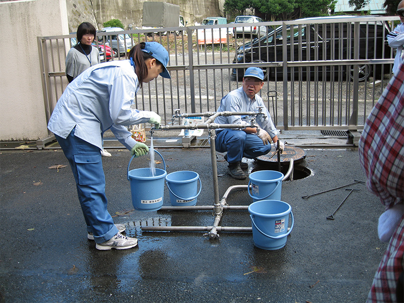 地域防災拠点訓練(災害時の水の確保)