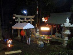 除夜祭(参拝者に暖)